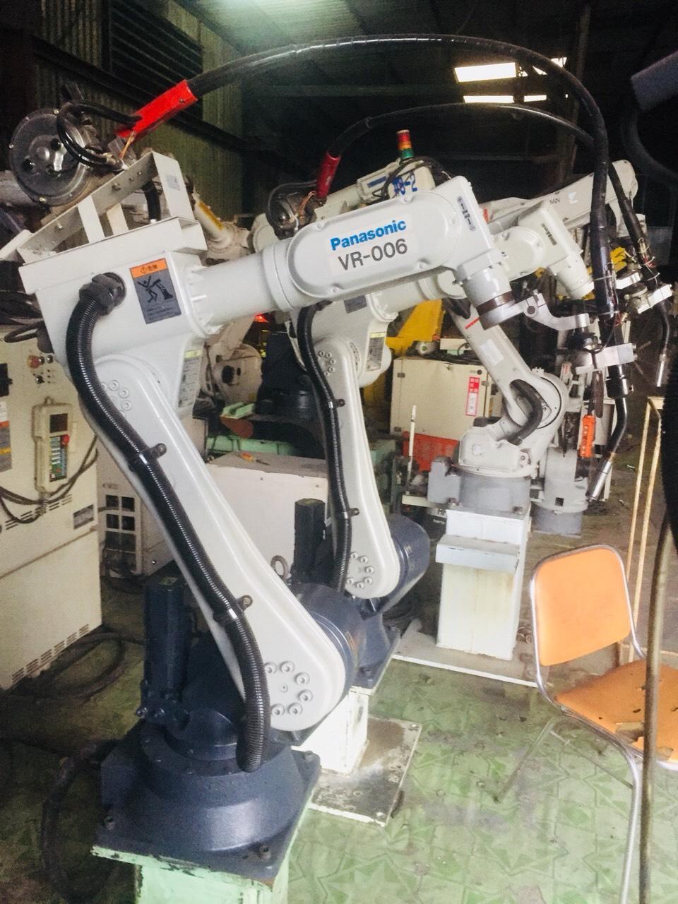 robot hàn pannasonic